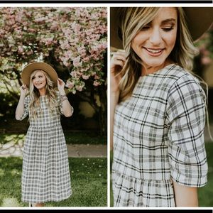 Roolee Cordele plaid dress size Small NWT